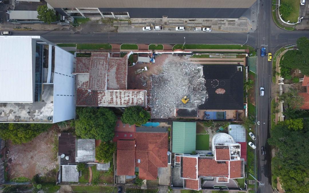 Trabajos de demolición de la SEDE CAF REGIÓN NORTE, CIUDAD DE PANAMÁ