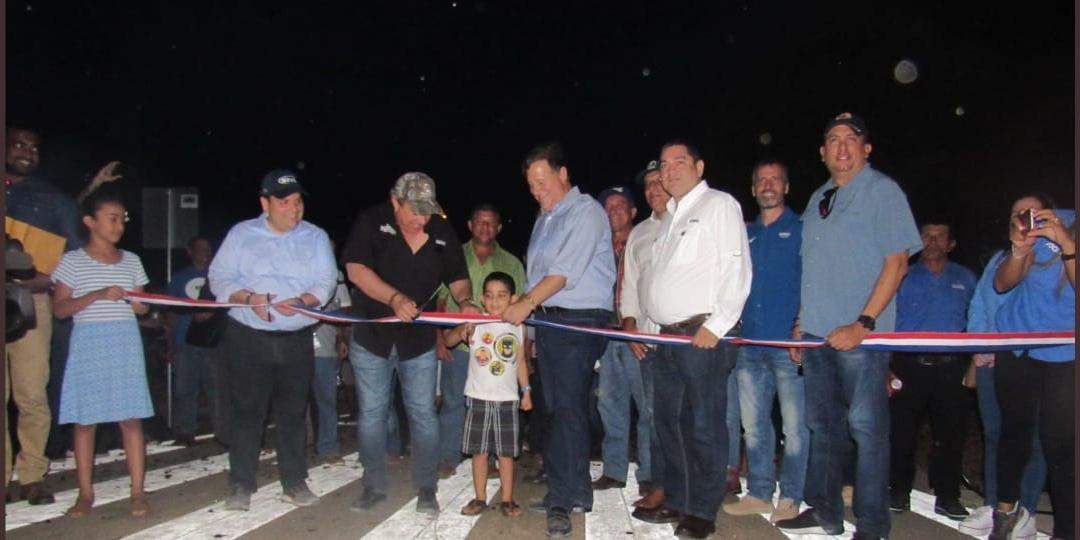 El Presidente de Panamá inaugura la carretera construida  por Grupo JOCA de Parita a Puerto Limón y el ramal al Parque Nacional de Sarigua
